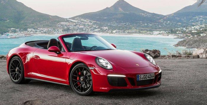 Как играть в Doom 2 на Porsche 911 за $ 200 тысяч