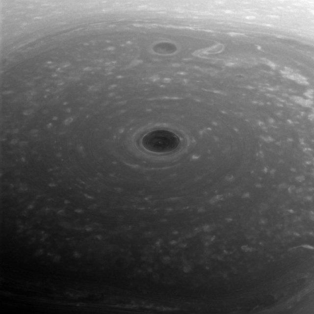 Как выглядит в шторм северный полюс Сатурна